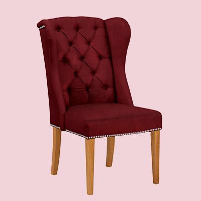 Roter gepolsterter Stuhl
