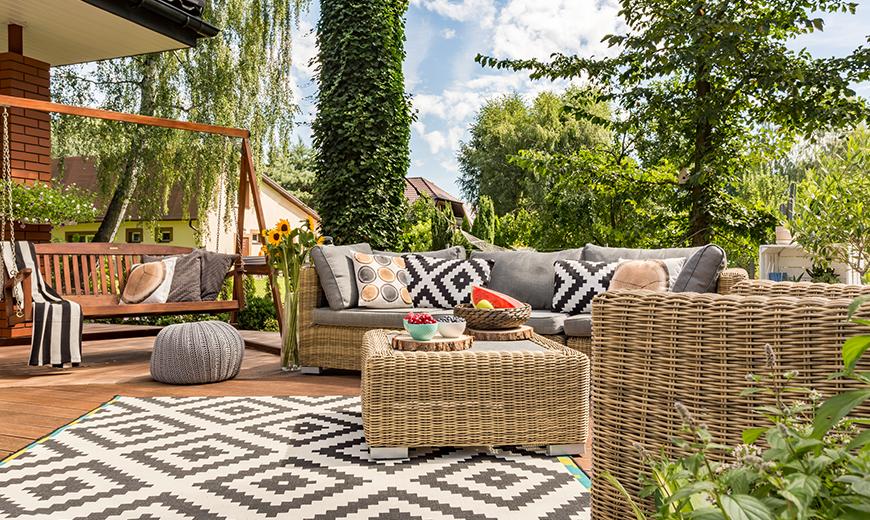 naturnah und chic die neuen deko trends f r den garten. Black Bedroom Furniture Sets. Home Design Ideas