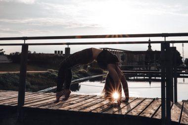 teaser_yoga