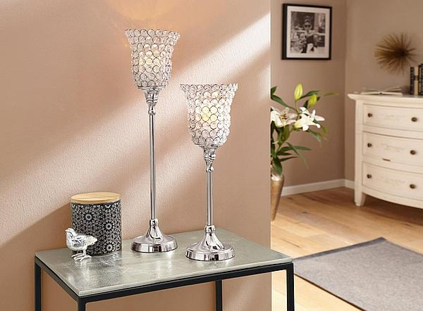 Gemütliches Zuhause: Kerzenhalter aus Reliefglas