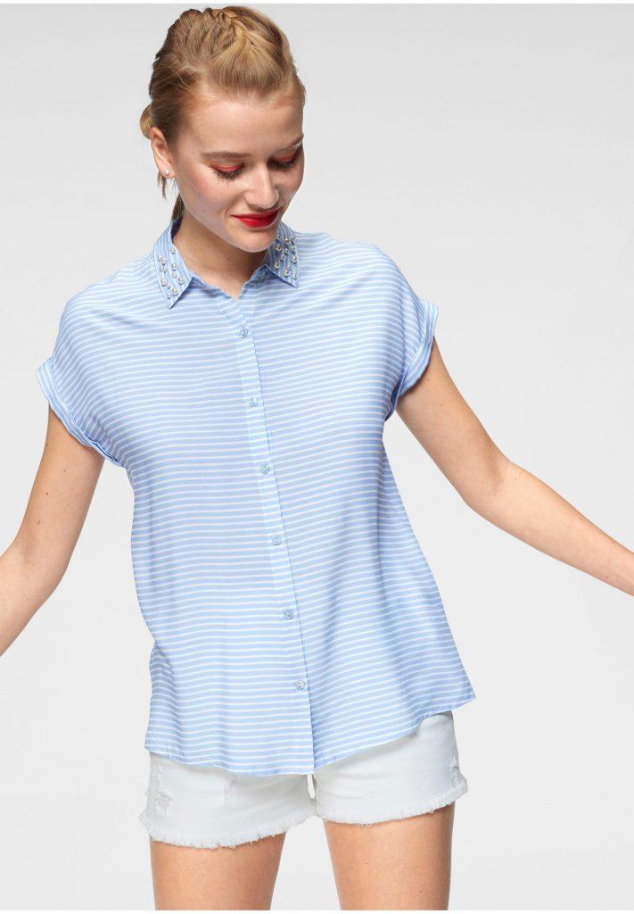 Farbtrend Weiß und Blau: Hemdbluse mit Streifen